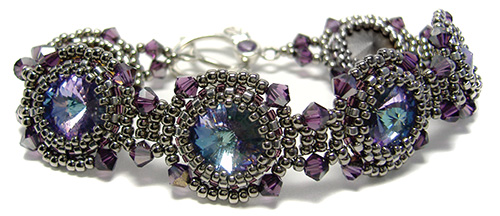 Spotlight Bracelet at AroundTheBeadingTable.com